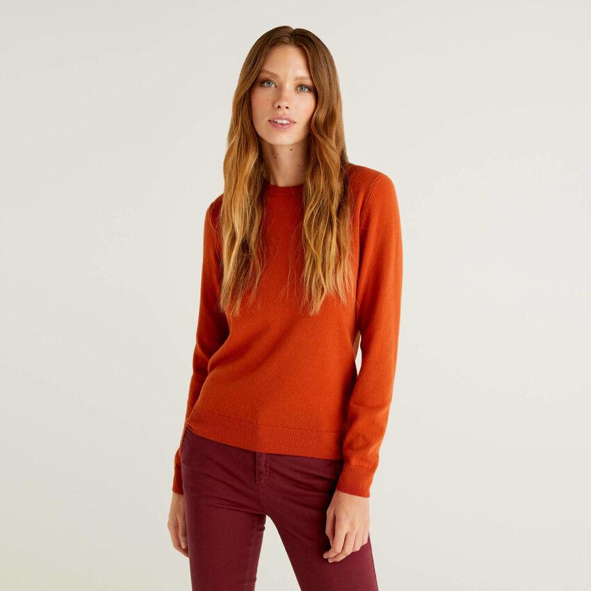 Brick red crew neck sweater in pure virgin wool