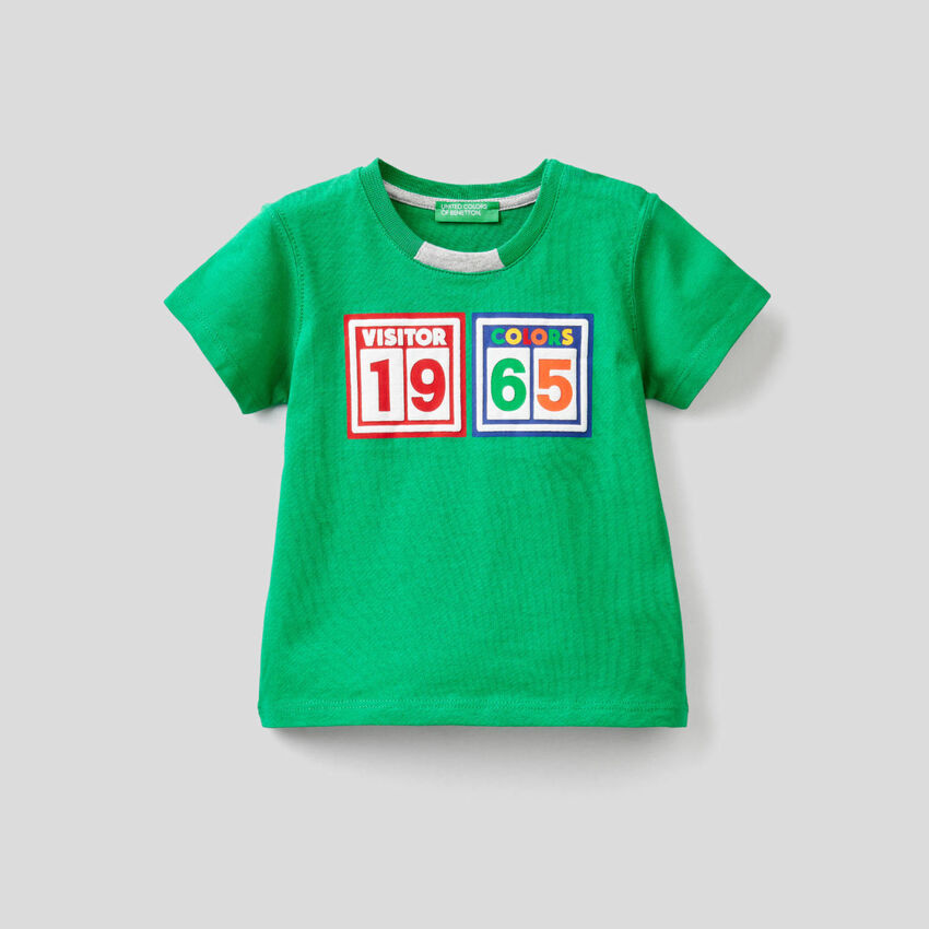 100% cotton t-shirt with multicolor print