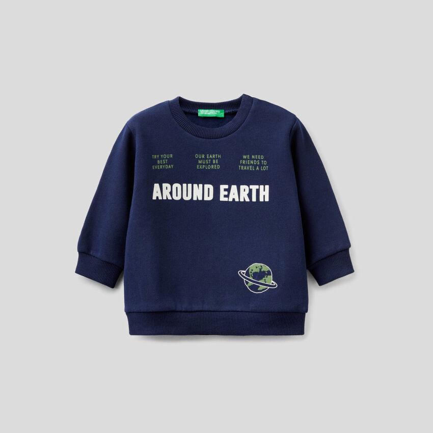 Crew neck sweatshirt with print