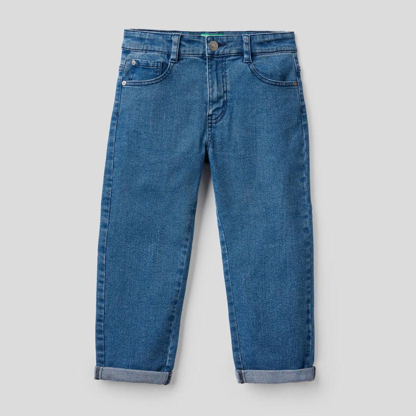 Carrot fit jeans in stretch denim