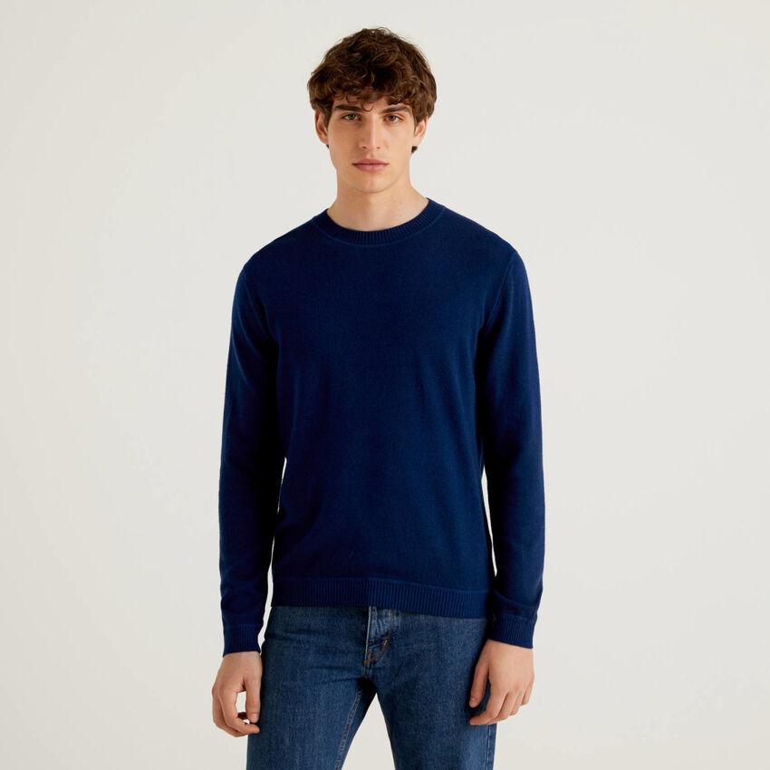 Crew neck sweater in wool blend