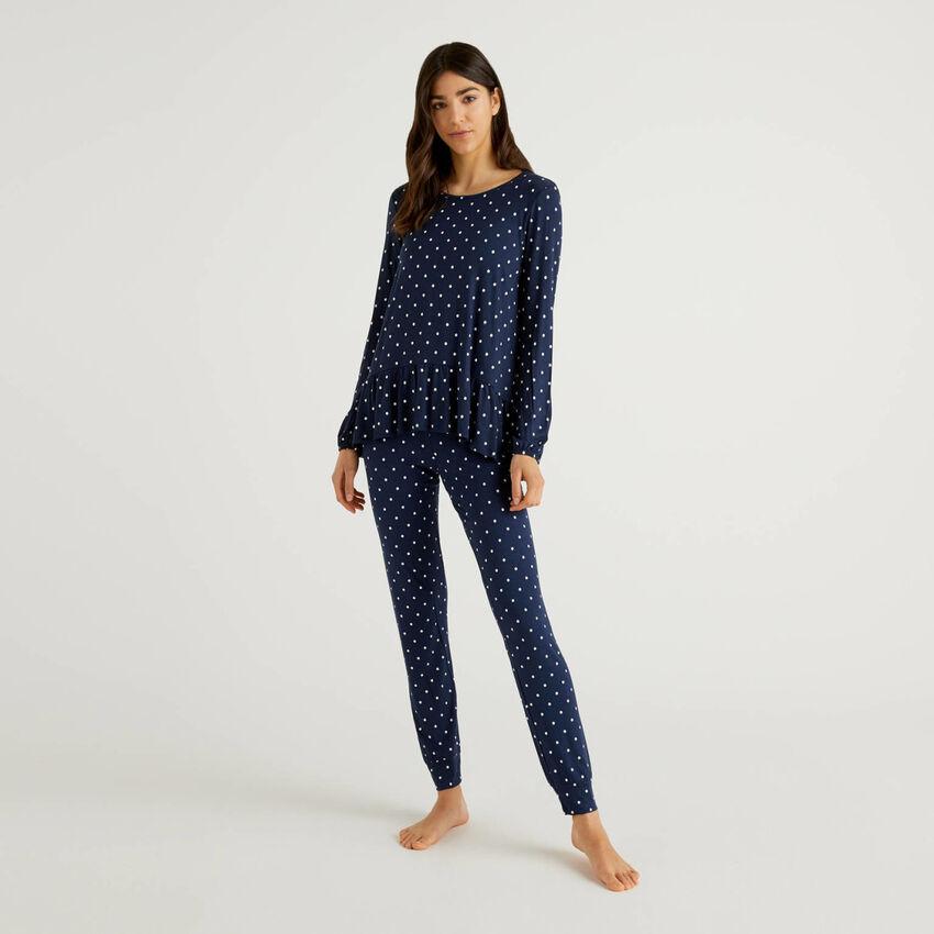 Patterned pyjamas in stretch viscose