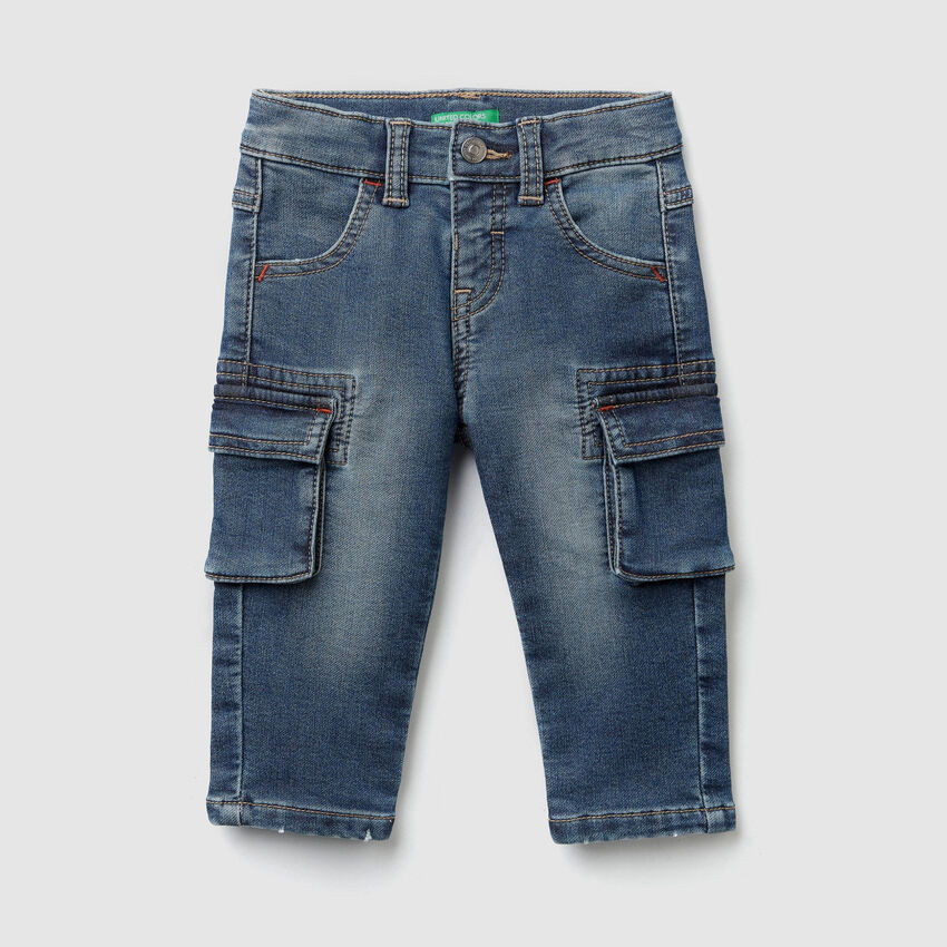 Cargo jeans in thermal denim