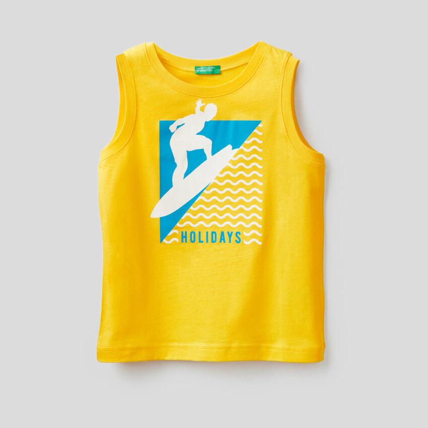 Sleeveless t-shirt with print
