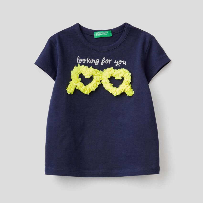 T-shirt with petal effect applique