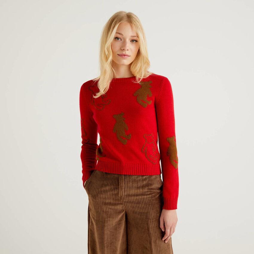 Sweater with teddy bear inlay
