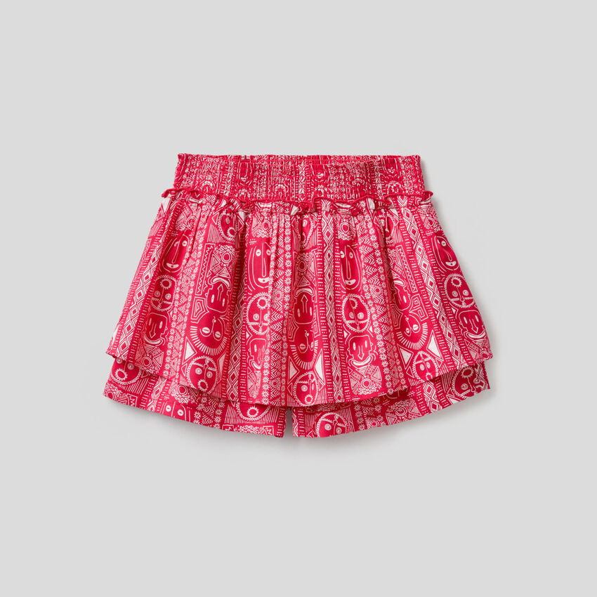Patterned shorts with maxi ruffle