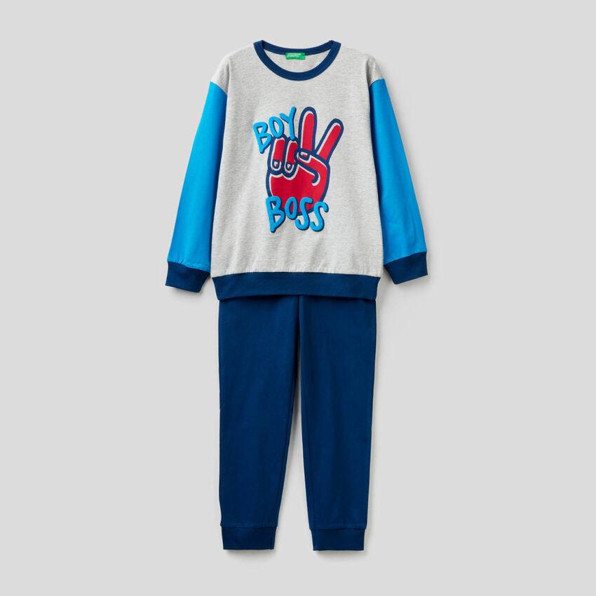 Pyjamas in light and warm cotton