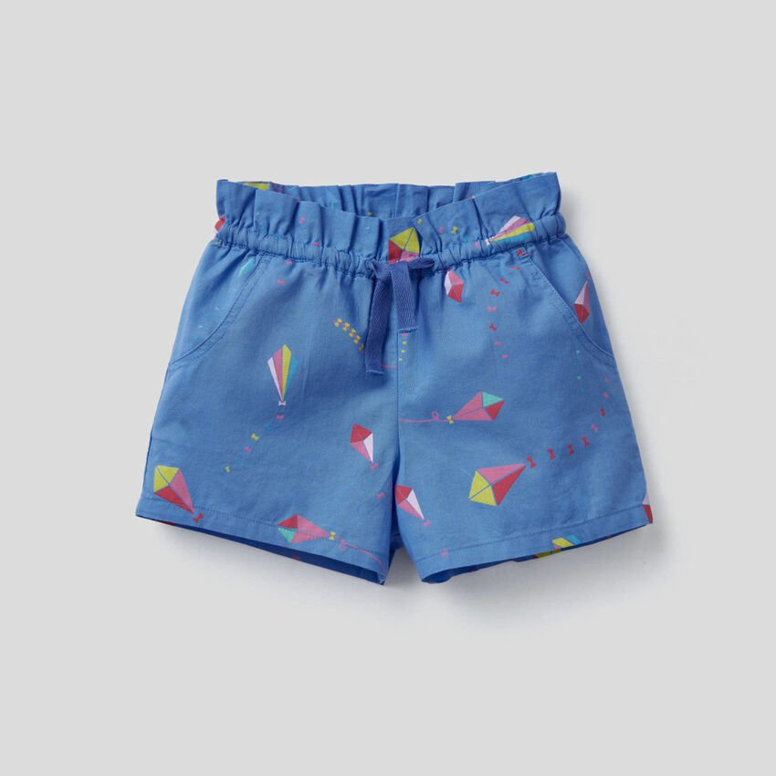 Patterned shorts in 100% cotton