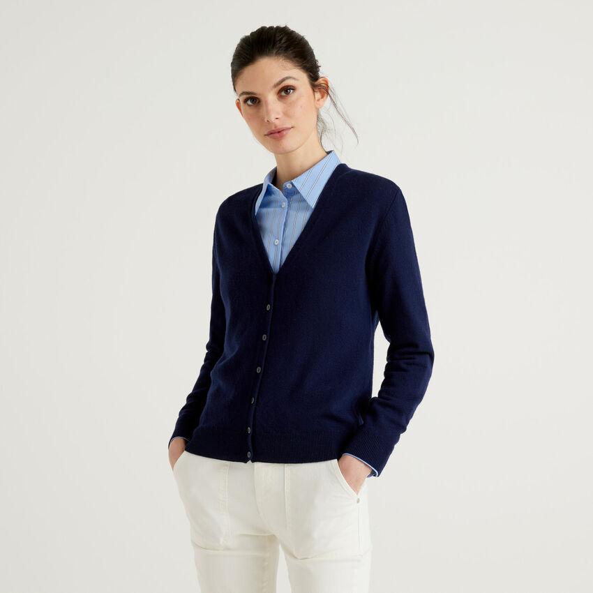 Dark blue V-neck cardigan in pure virgin wool