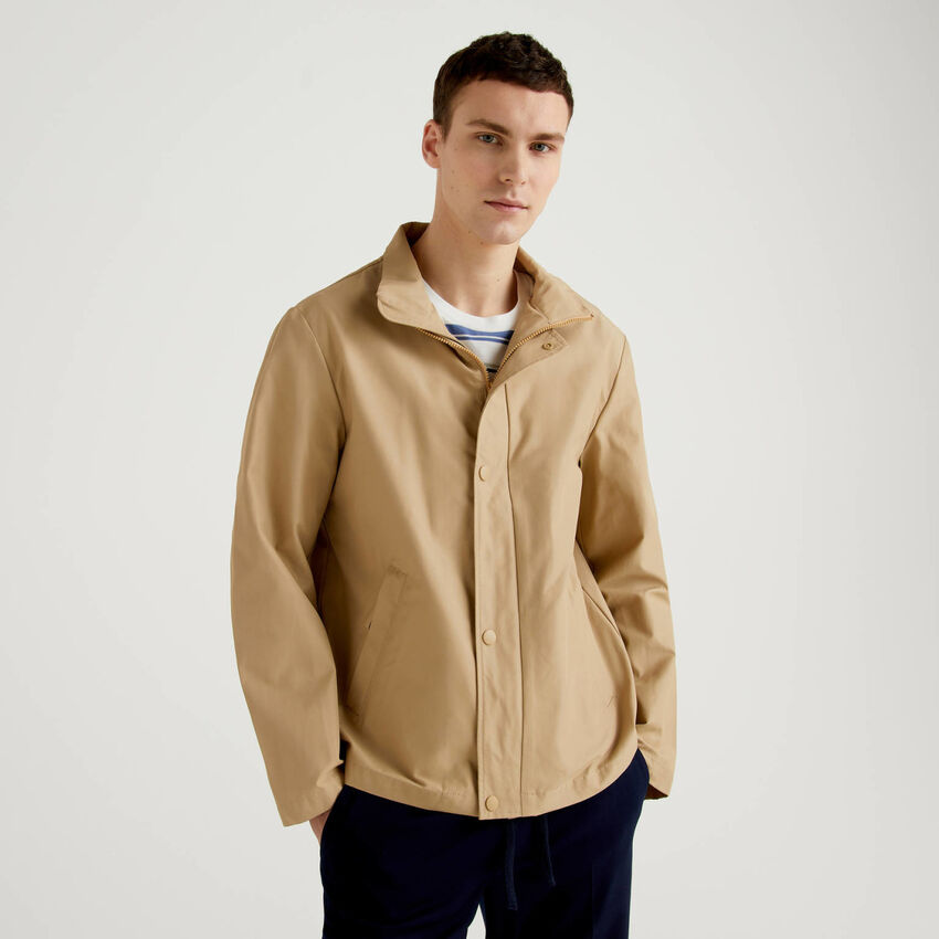 Jacket with zip and buttons