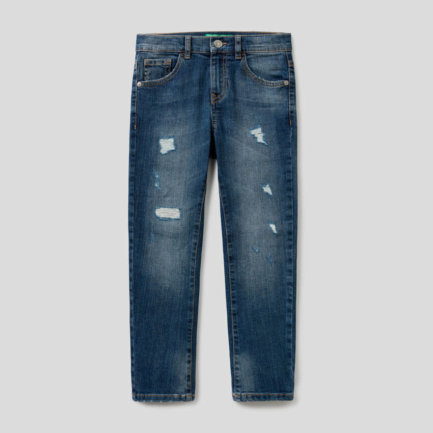 Skinny fit jeans with tears