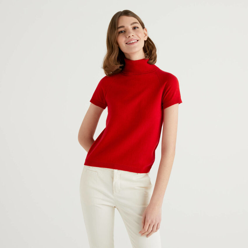 Red short sleeve turtleneck in cashmere and wool blend