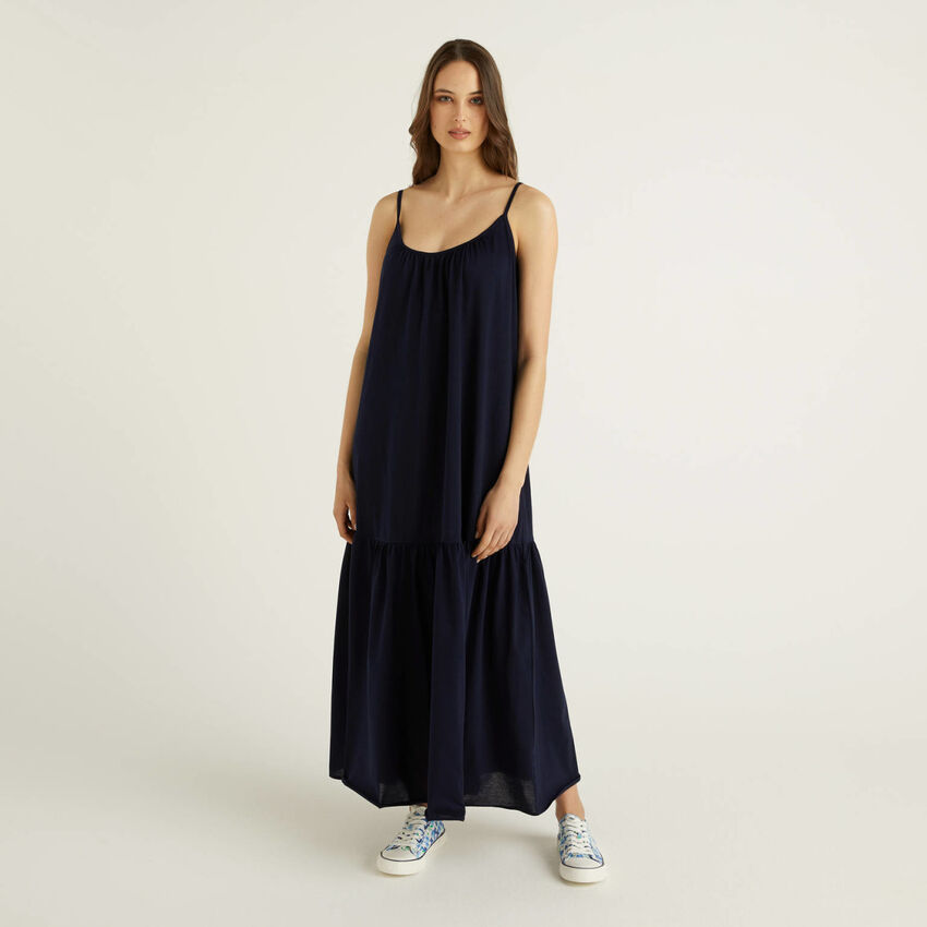 Maxi dress with shoulder straps in 100% cotton
