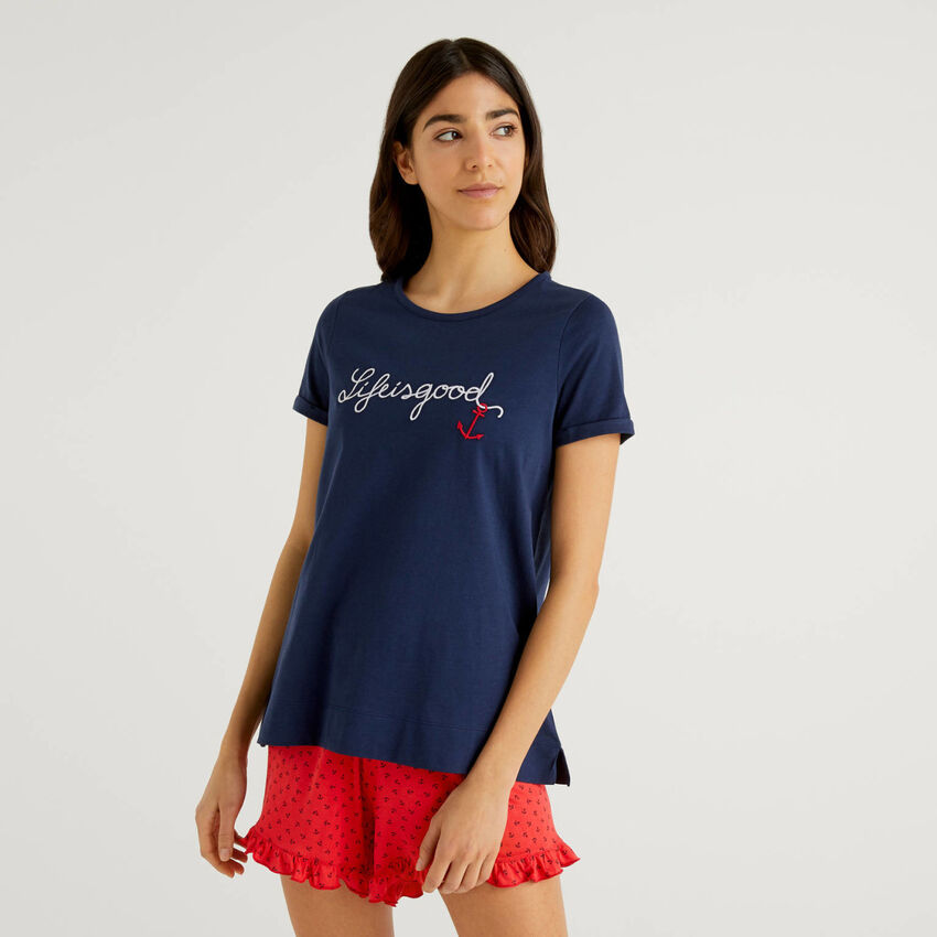 Embroidered t-shirt in pure cotton