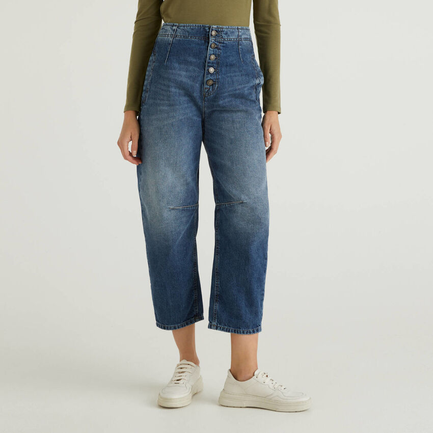 Slouchy jeans in 100% cotton