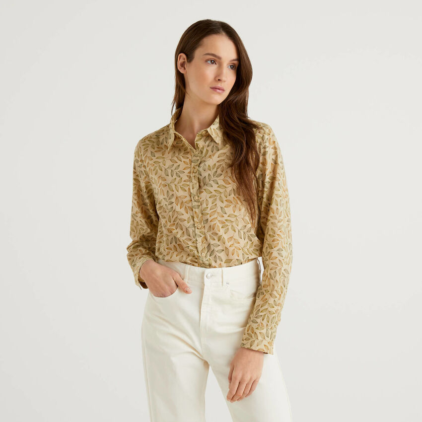 Beige shirt with botanical print in 100% cotton