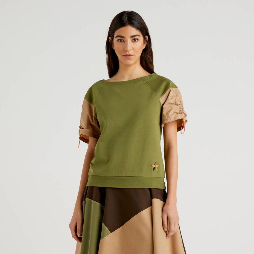 Sweatshirt with short puff sleeves
