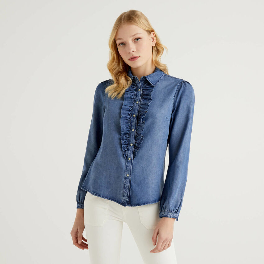 Shirt with rouches