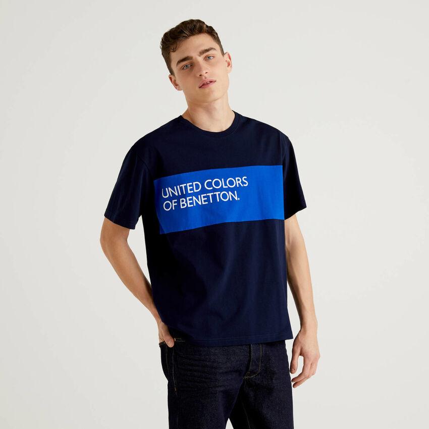100% cotton t-shirt with clashing band