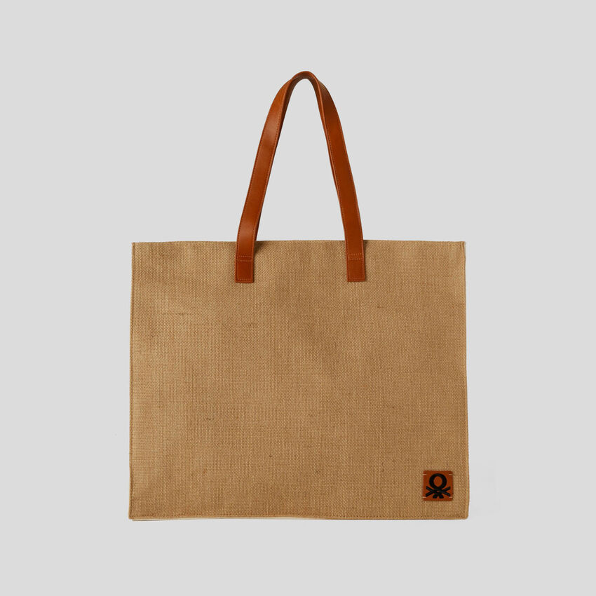 Square bag with jute effect