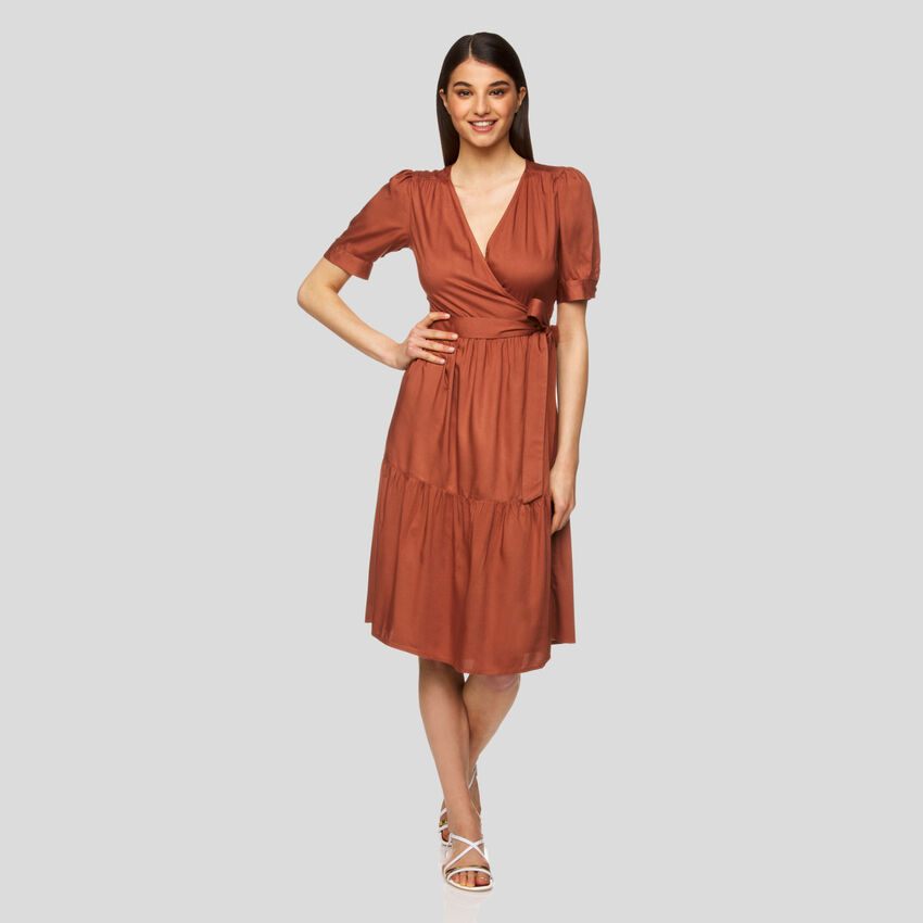 Crisscross midi dress