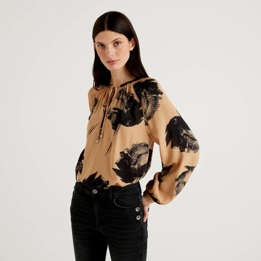 Pattern print blouse
