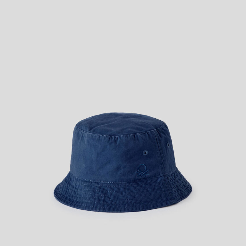 Fisherman's hat with logo
